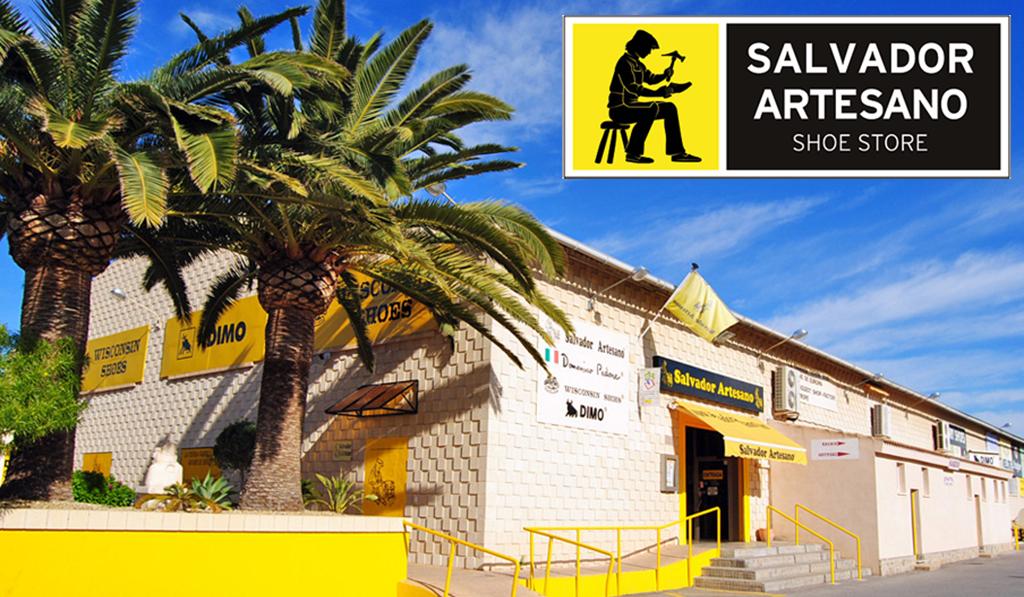 Calzado, bolsos y complementos en Salvador Artesano